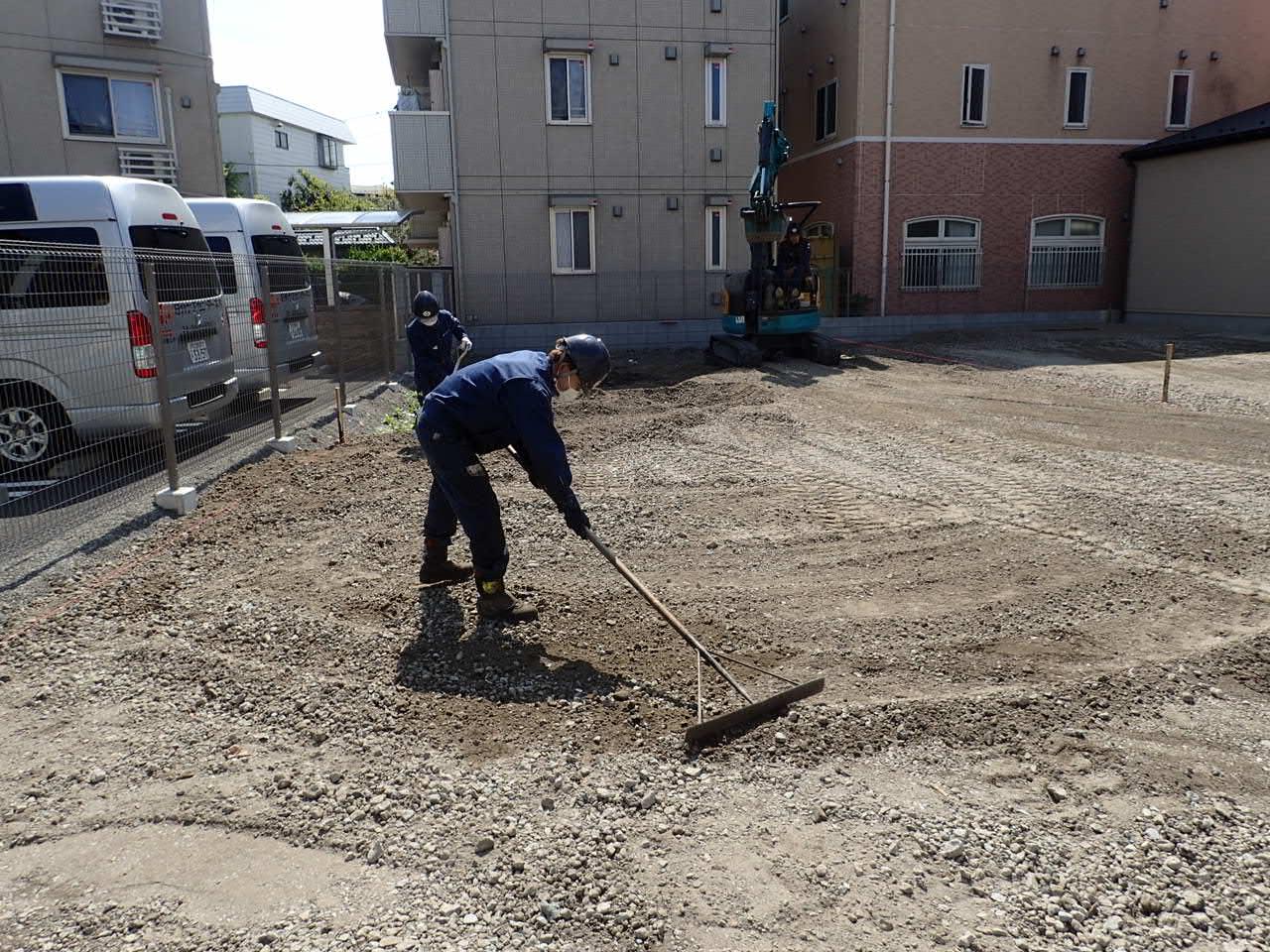 東京都足立区 | 駐車場工事 | アスファルト舗装・区画線工事