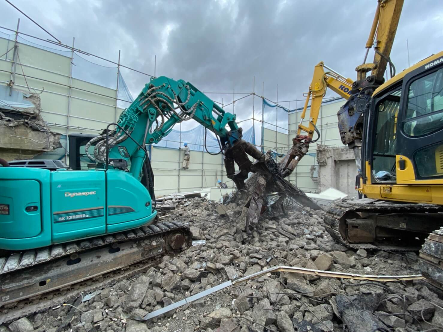 東京都文京区 | 解体工事 | SRC造830坪・RC造345坪・外壁アスベスト除去